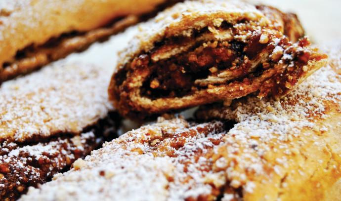 עוגיות ממולאות במילוי תמרים