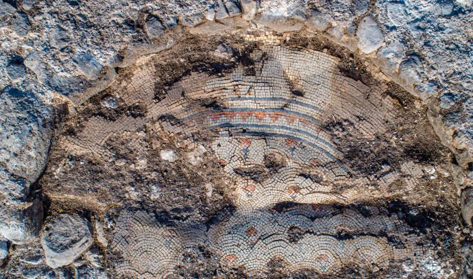 שרידי כנסייה בכפר קמא