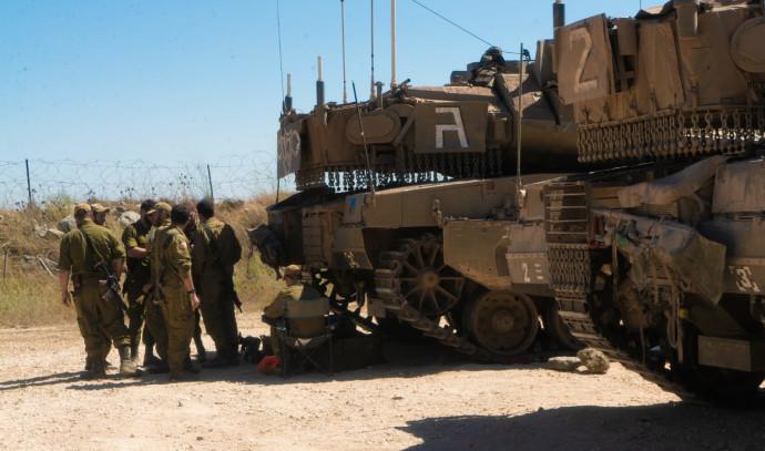 """כוננות צה""""ל בגבול הצפון לבנון מתיחות חיילים נגמ""""שים טנקים"""
