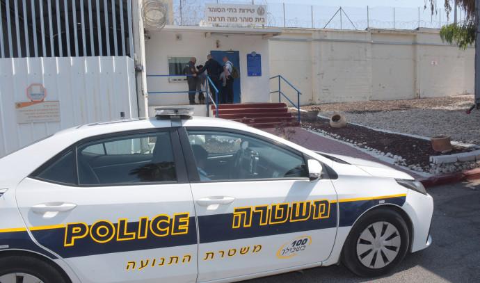 ניידת משטרה, אילוסטרציה (למקום המצולם אין קשר לנאמר בכתבה)