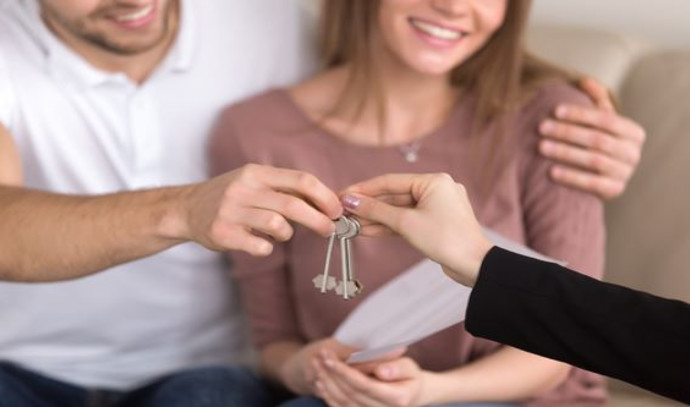 קבלת מפתחות לדירה