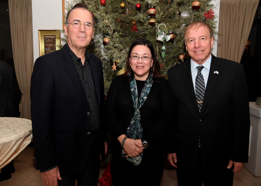 איתן יודילביץ' , לסלי טסו ועמי אפלבום (צילום: David Azagury, U.S. Embassy Israel)