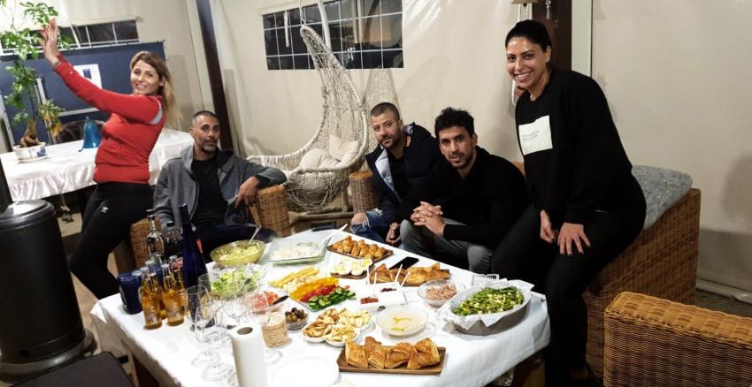 לפני הפיצוצים. יוגב וחבריו (צילום: ליאת אלקיים)