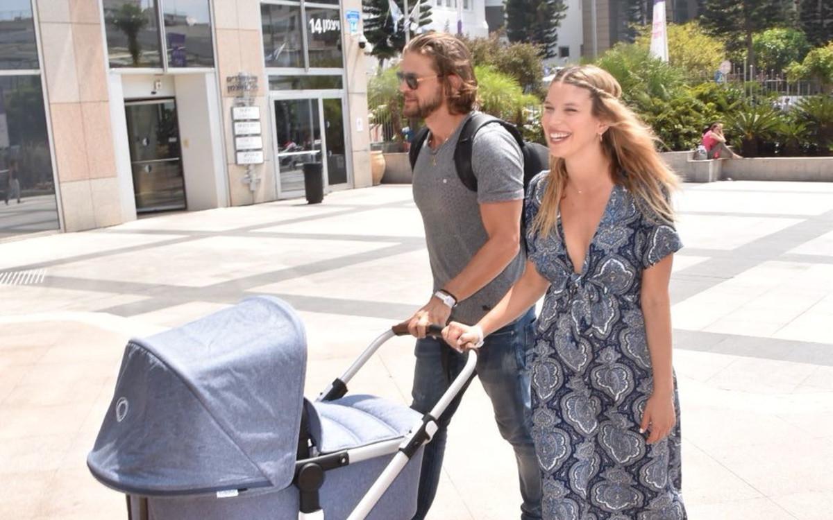 לירן כוהנר<br />הבעל גיא גיאור והתינוקת<br />החדשה שוחררו לביתם
