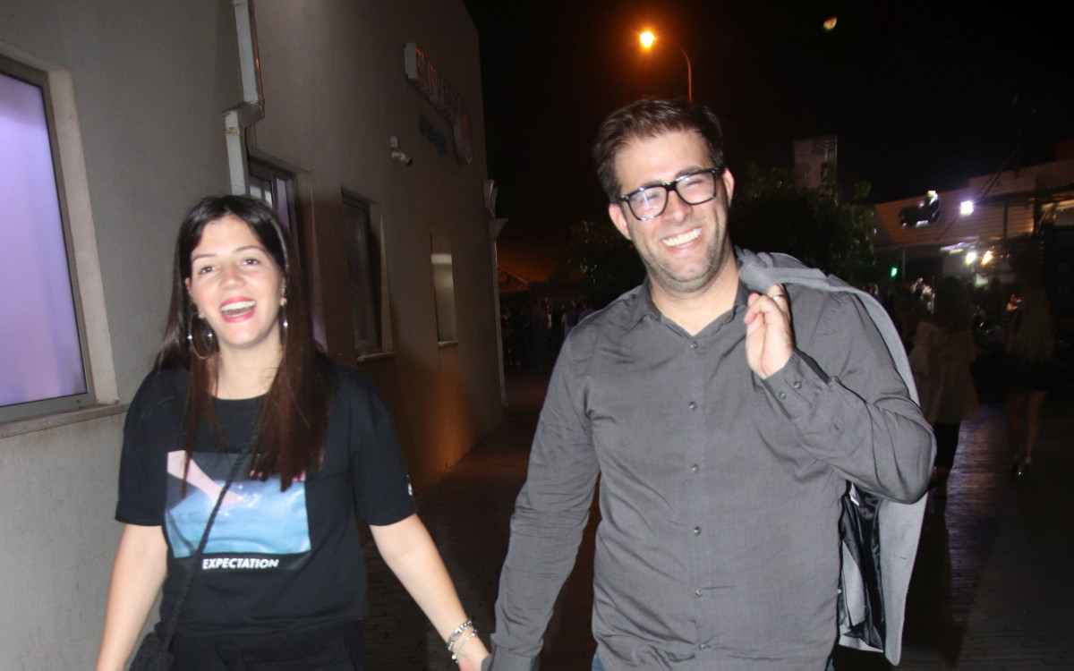אורן חזן <br />ואשתו רינת <br />משיקים היריון שני