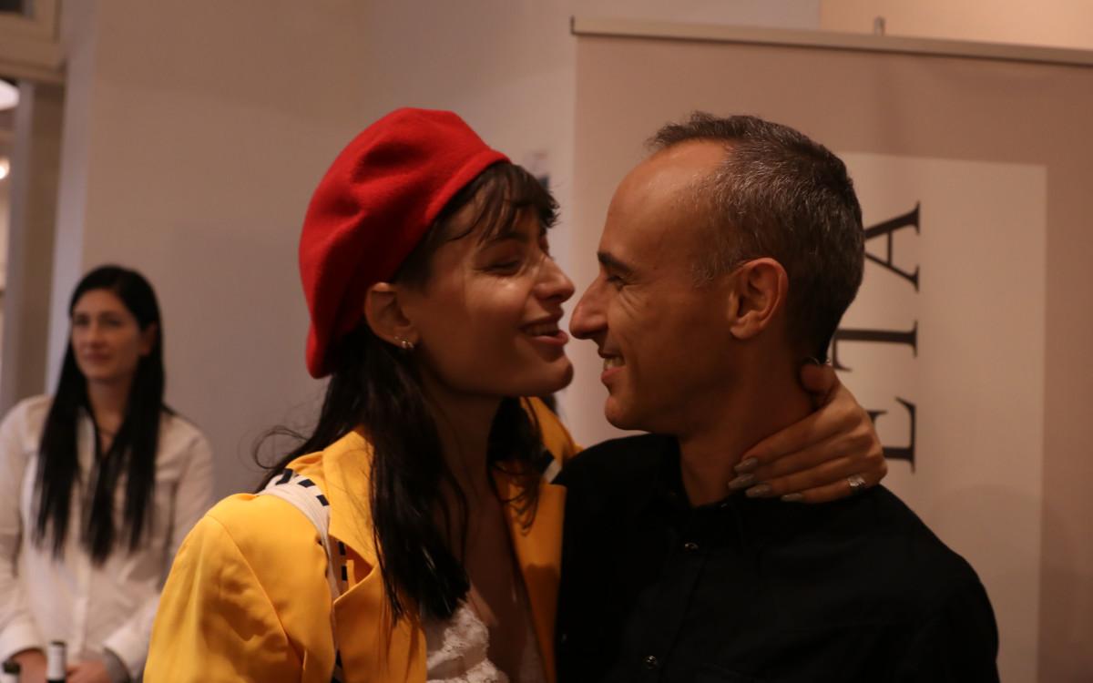 אסף אמדורסקי <br />ואשתו מפגינים<br />אהבה בפומבי