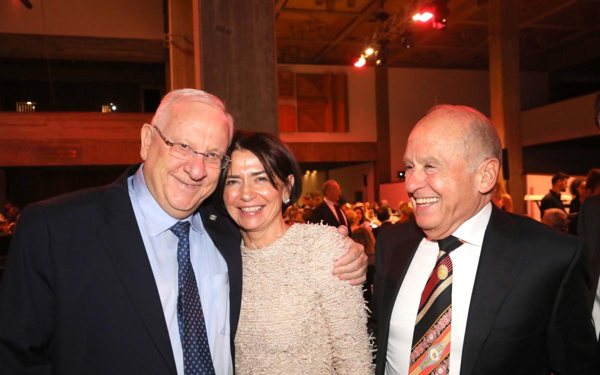 הלאונג': גאלה ללא צנזורה במוזיאון בתל אביב