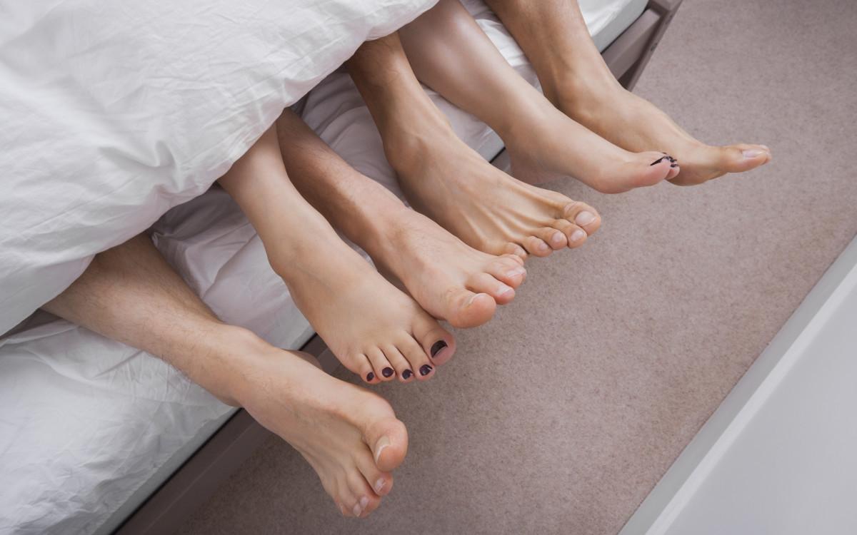 הזוג המפורסם<br />שמנהל מערכת יחסים פתוחה<br />ומזמין סלבס אחרים למיטה