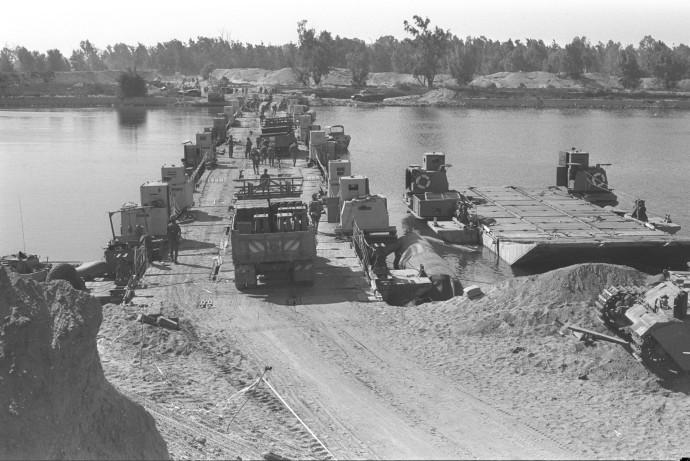 תעלת סואץ, מלחמת יום כיפור. צילום: רון אילן, לע