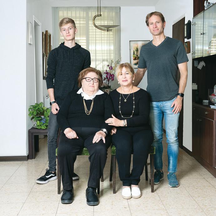 משפחת אנזלביץ'. צילום: דבי מורג