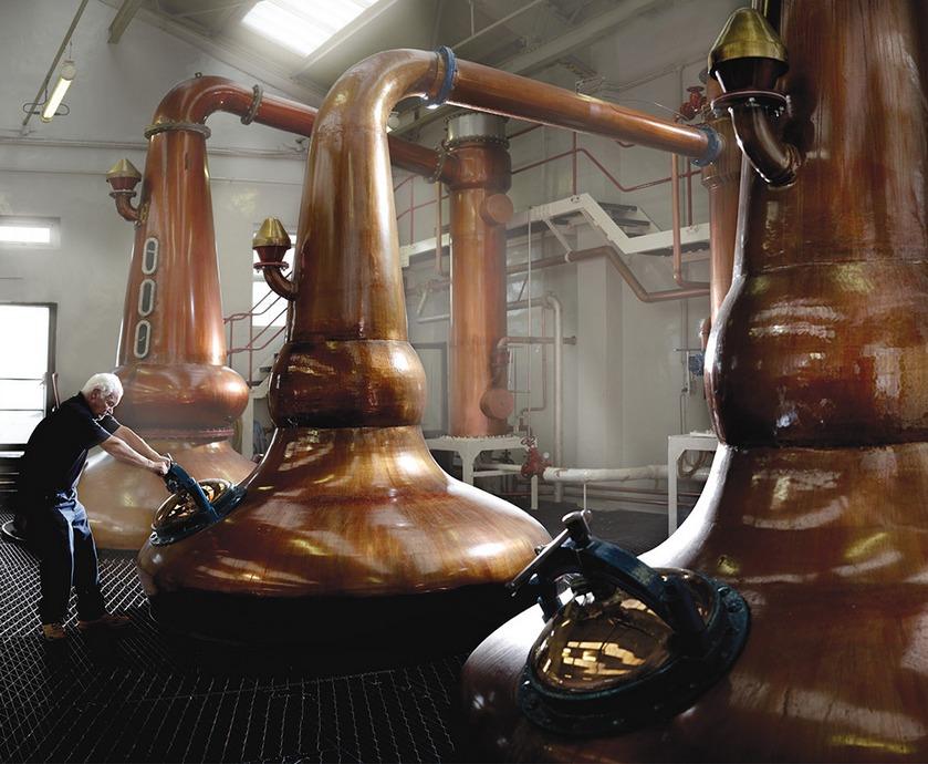 """גלנגויין 15 שנה - שווה לחפש את הוויסקי הנפלא הזה שכאילו לא נכנע לטרנדים שעוברים על עולם הוויסקי... (צילומים: יח""""צ)"""