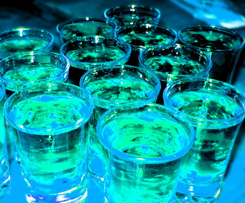 אלכוהול - אחי, לשלם 80 שקל על קוקטייל ממש לא נקרא לשבור שיא... (צילום: Frédéric dupont, freeimages.com)
