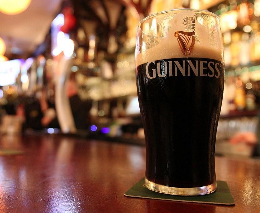 """כמו שאמר לי פעם ברמן כאשר ביקשתי ממנו שימזוג לי את הבירה עם קצף: """"קבל טיפ לחיים, אם אין לך קצף, אתה מקבל יותר בירה""""... (צילומים: יח""""צ)"""