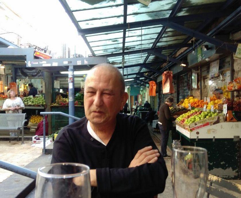 קזינו דה פריז - כמו שכולכם כבר יודעים, אלכוהול הוא חומר משמר נפלא. הוא משמר הכל - חוץ מסודות... (צילום: אורי שמיר)