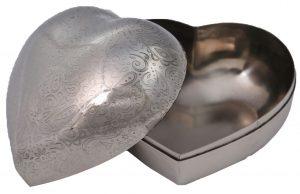 קופסת תכשיטים בצורת לב כסף