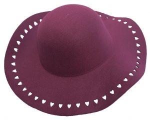 כובע לבבות רחב שוליים