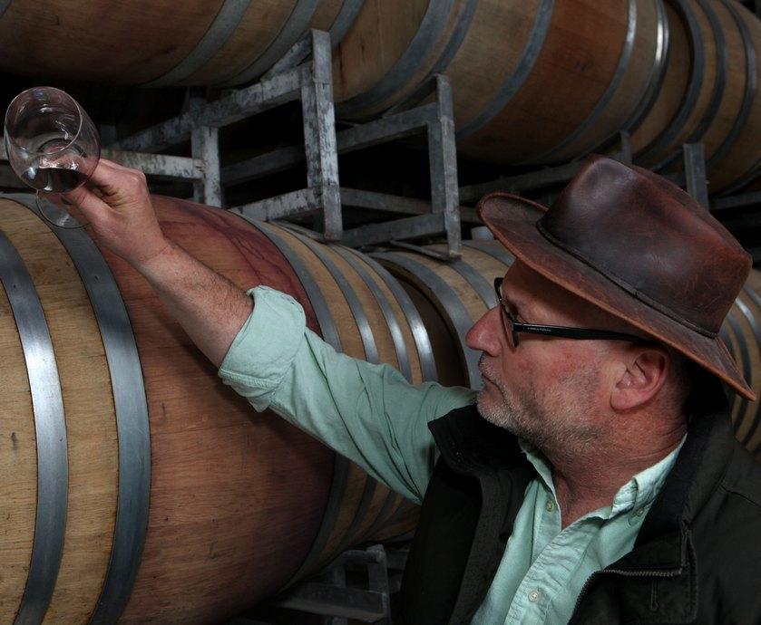 """סם סורוקה - סם סורוקה, יינן יקב ירושלים: """"ישנם הרבה סוגי יינות שמהווים נקודת ציון עבורי..."""" (צילום: דיויד סילברמן)"""