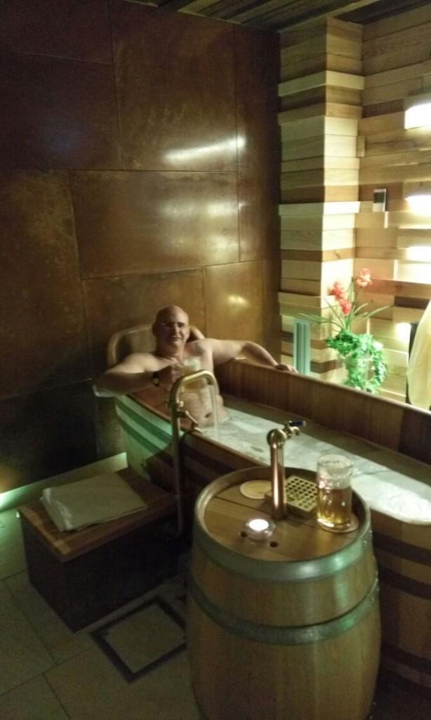 קיפניס באמבטיה - אווירה