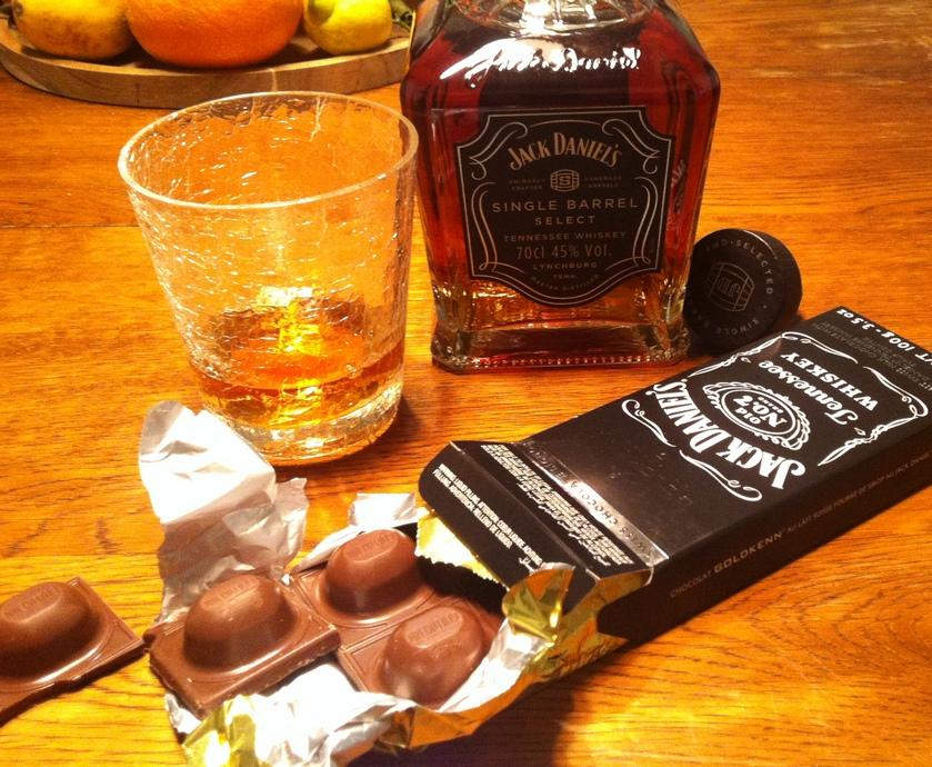 """וואחש כמוני מסתפק, שלא לומר מתגעגע, לבקבוק ג'ק דניאל'ס הרגיל הוותיק והטוב... (צילומים: חיליק גורפינקל, יח""""צ)"""