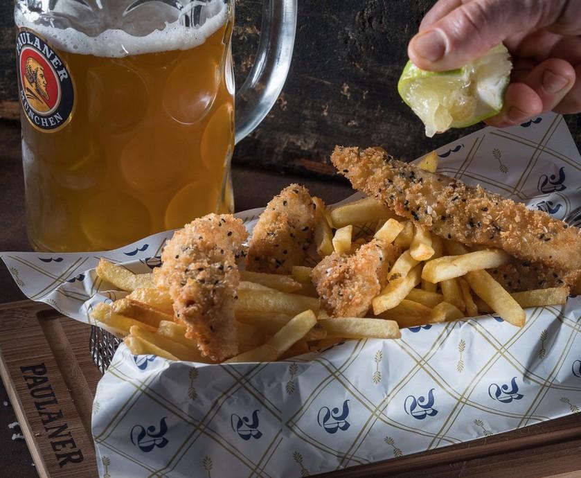 פאולנר ביר גארדן - גם את ה'אוקטוברפסט', פסטיבל הבירה המפורסם, יציינו כאן בקרוב... (צילום: אנטולי מיכאלו, דיויד סילברמן)