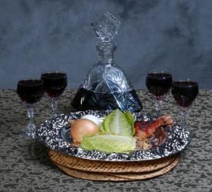 קערת פסח ויין - צילום פרי אימג