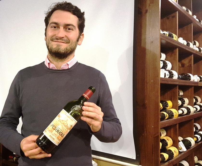 """אלחנדרו פרננדז - כנראה שספרד, וריוחה וריברה בפרט, הוא המקום בו אפשר לפגוש בקלות ובמחירים נגישים יינות שכבר נרגעו בבקבוק כמה שנים... (צילום: יח""""צ, אלי פרכטר)"""